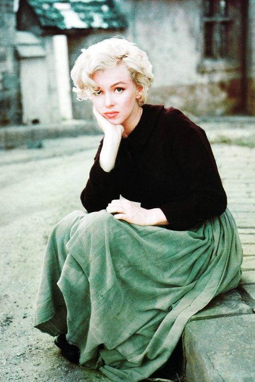 Marilyn Monroe sad